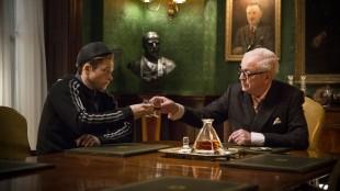 Eggsy (Taron Egerton) med agentsjefen Arthru (Michael Caine) i Kingsman: The Secret Service (Foto: Fox film).