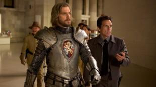 Lancelot (Dan Stevens) og Larry (Ben Stiiller) i Natt på museet: Gravkammerets hemmelighet (Foto: 20th Century Fox).