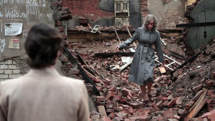 Nelly (Nina Hoss) i Berlins ruiner i Phoenix (Foto: Arthaus).