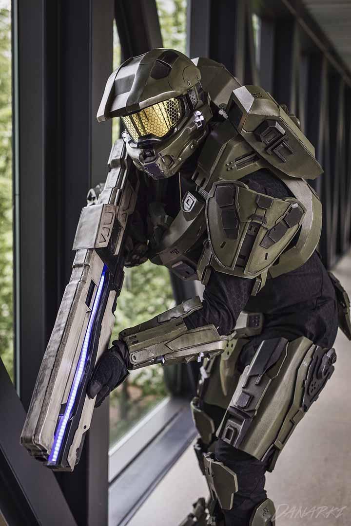 Øyvind Krogsrud som Master Chief fra «Halo 4». (Foto: Danarki/ Dan Michael Løvdahl)