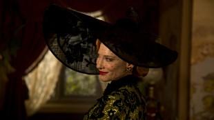 Cate Blanchett spiller den onde stemora i Eventyret om Askepott (Foto: © 2014 Disney Enterprises, Inc. All Rights Reserved).