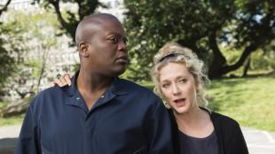 Titus (Tituss Burgess) og Lillian (Carol Kane) spiller to av Kimmys nye bestevenner. (Foto: Netlix)