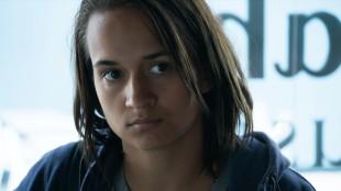 Ana «Dino»Dinovich spilt av Bianca Kronlöf. (Foto: Euforia Film).