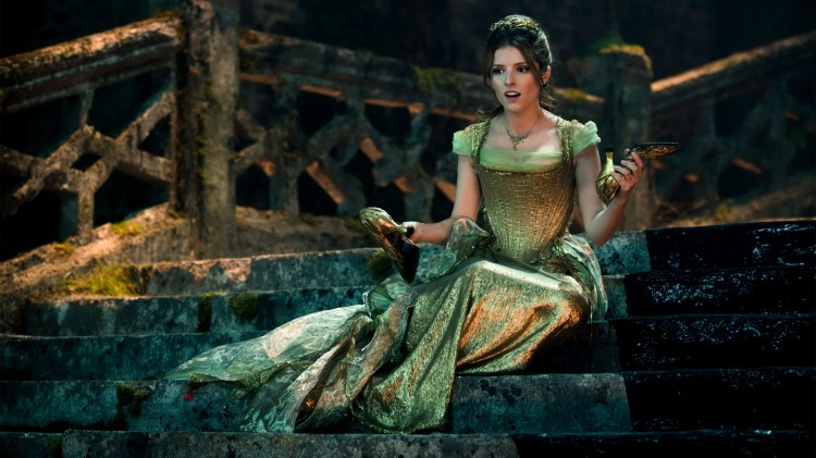 Anna Kendrick spiller Askepott i Into the Woods. (Foto: Disney Enterprises, Inc.).