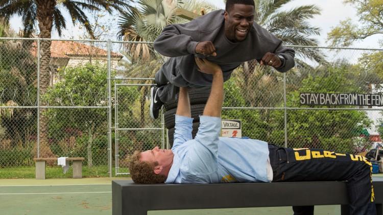 Will Ferrell løfter på Kevin Hart for å bli hard nok for fengsel.  (Foto: SF Norge AS).