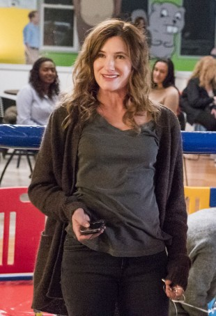 Kathryn Hahn spiller Toms kone Lee. (Foto: Showtime, HBO Nordic).