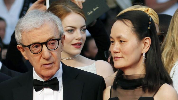 Woody Allen og kona Soon-Yi Previn ankommer Cannes-premieren på Irrational Man        (Foto: REUTERS/Regis Duvignau)