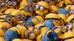 Minions er de små, søte, gule hjelperne fra Grusomme meg-filmene (Foto: United International Pictures).