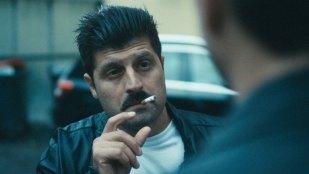 Hasse Hope? Neida, dette er bare Irasj Asanti i rollen som Ali i Høvdinger. (Foto: Europafilm AS).