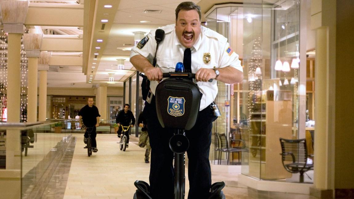 """Det er full rulle i den utskjelte idiotkomedien """"Paul Blart: Mall Cop"""". (Foto: Promo)"""