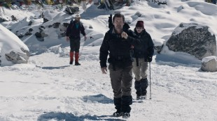 Josh Brolin foran John Hawkes og Jason Clarke i Everest (Foto: United International Pictures).