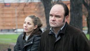 Eva (Tuva Novotny) og Dag (Atle Antonsen) har kommet et stykke fra valiumsdating i fjerde sesong av Dag. (Foto: TV2, Kamerakameratene)
