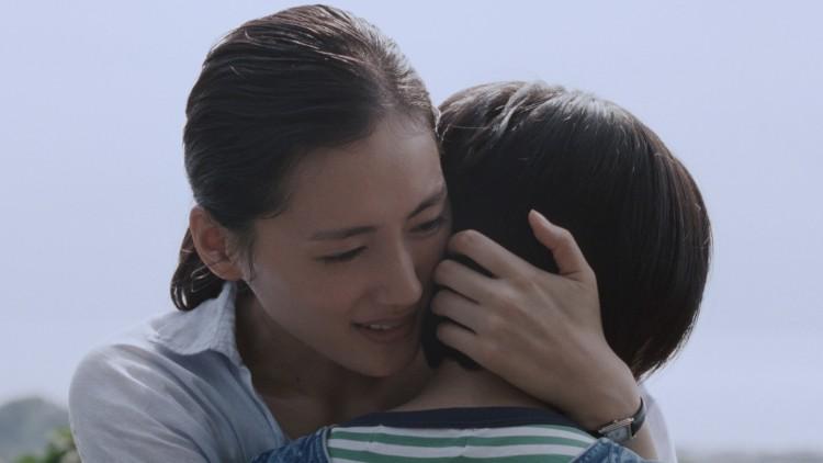 Sachi (Haruka Ayase) og Suzu (Suzu Hirose) i Søstre (Foto: Another World Entertainment Norway AS).