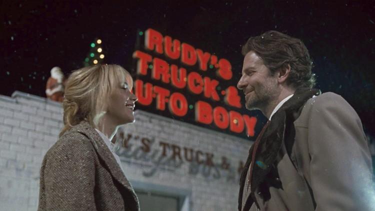 Jennifer Lawrence og Bradley Cooper gjenforenes i filmen Joy (Foto: 20th Century Fox).