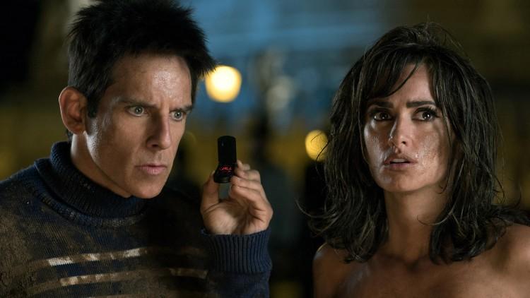 Derek Zoolander (Ben Stiller) bistår Interpol-agent Valentina (Penelope Cruz) i Zoolander 2 (Foto: United International Pictures).