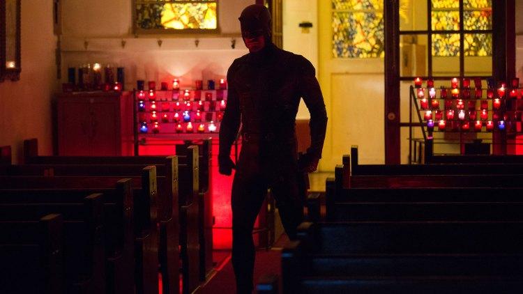 Matt sliter med skyldfølelse og moralske kvaler rundt det å være Daredevil i sesong to. (Foto: Patrick Harbron/Netflix).