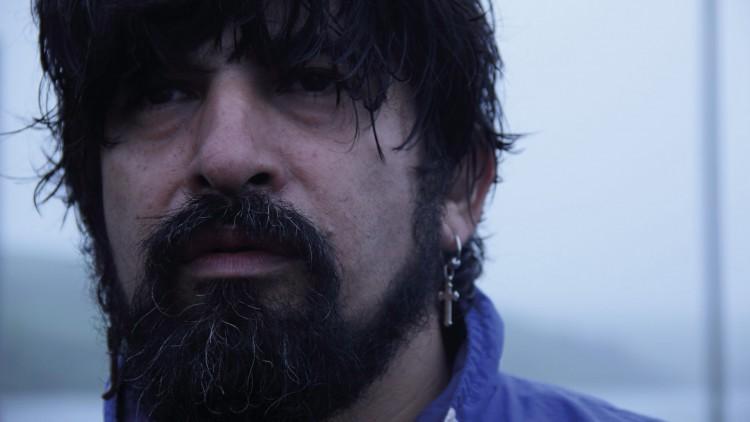 Sandokan (Roberto Farías) roper ut beskyldninger mot en prest i El Club (Foto: Arthaus).