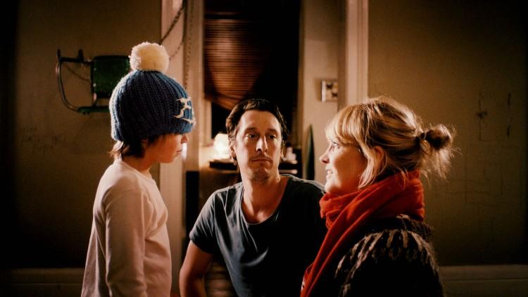 Finn (Leander Nitsche), Uli (Hans Löw) og Hedi (Laura Tonke) er familien vi møter i Lykkelig i 24 timer (Foto: Mer Film).