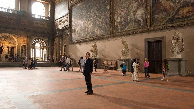 Professor Robert Langdon (Tom Hanks) må stoppe et farlig virus i Inferno (Foto: United International Pictures)
