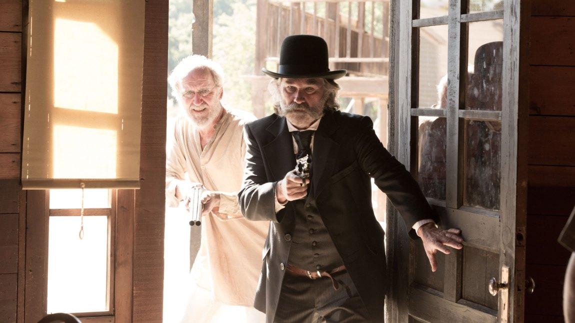 Sheriff Hunt (Kurt Russell) og assistent Chicory (Richard Jenkins) i Bone Tomahawk. (Foto: Another World Entertainment)