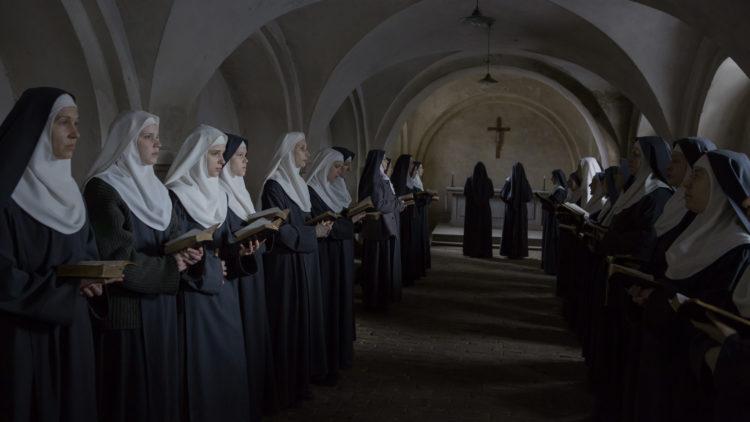 Regissør Anne Fontaine bruker nøye utvalgte kamerautsnitt i Agnus Dei. (Foto: Tour de Force)