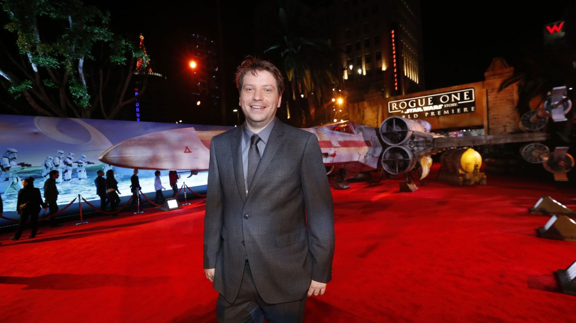 Gareth Edwards på verdenspremieren av Rogue One: A Star Wars Story. (Foto: REUTERS/Mario Anzuoni, NTBScanpix)
