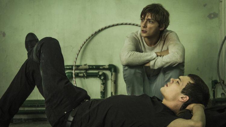 Veniamin (Pyotr Skvortsov) får en lojal venn i Grigoriy (Aleksandr Gorchilin) i Disippelen. (Foto: AS Fidalgo)