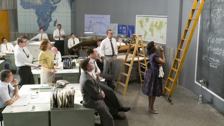 "Katherine (Taraji P. Henson) er eneste afroamerikaner i NASAs Space Task Group i ""Hidden Figures"". (Foto: 20th Century Fox)"