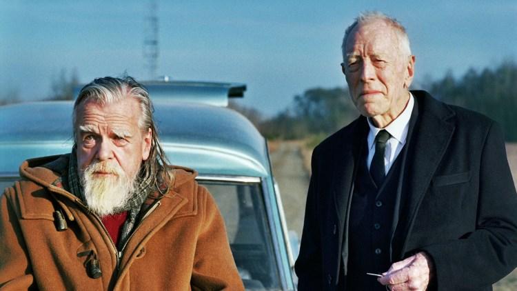 "Michael Lonsdale og Max von Sydow spiller fine biroller i ""De første skal bli de siste"". (Foto: Storytelling Media)"