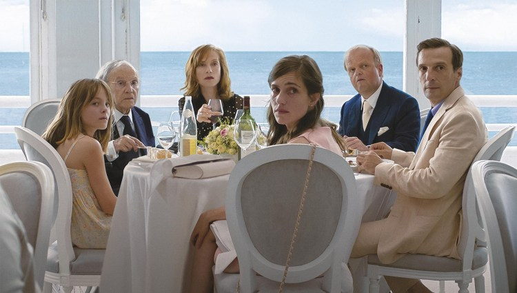 "Michael Hanekes ""Happy End"" kjemper om Gullpalmen i Cannes. (Foto: Festival de Cannes)"