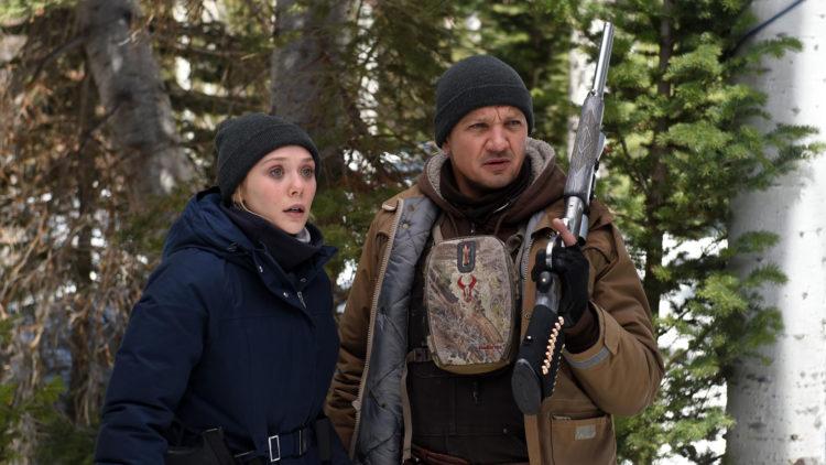 """Elizabeth Olsen og Jeremy Renner i """"Wind River"""". (Foto: Norsk Filmdistribusjon)"""