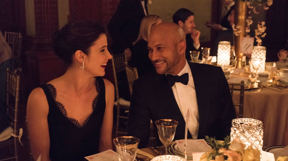 Cobie Smulders og Keegan-Michael Key er to av skuespillerne som leverer godt under pari i Friends From College. (Foto: Netflix)