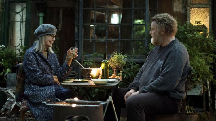 """Diane Keaton og Brendan Gleeson spiller hovedrollene i den britiske filmen """"Hjemme i Hampstead"""". (Foto: Norsk Filmdistribusjon)"""