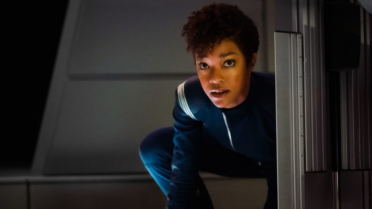 Sonequa Martin-Green spiller Michael Burnham og er en av de mest umiddelbart fengende bekjentskapene i nye Star Trek: Discovery. (Foto: Netflix, CBS)