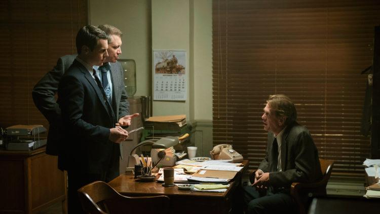 FBI-agentene Holden Ford (Jonathan Groff og Bill Tench (Holt McCallany ) må overbevise både sjefer og politifolk ute i felten om at psykologiske vurderinger av hvordan seriemordere tenker kan være viktig for etterforskningen.  (Foto: Netflix)