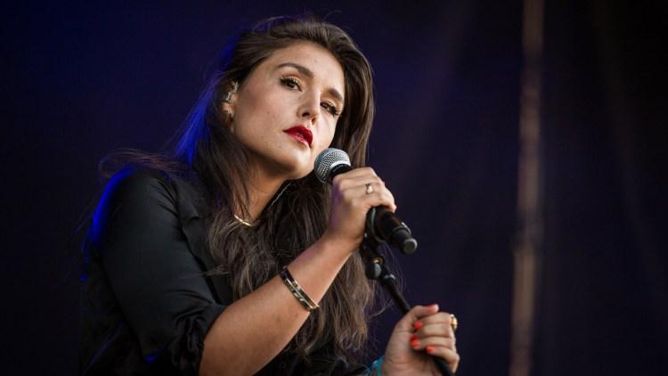 Jessie Ware på Øyafestivalen 2012. (Foto: Kim Erlandsen, NRK P3)