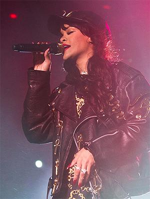 Rihanna, her under konserten i Holmenkollen tidligere i år, er akkurat nå verdens mest ulovlig nedlasta artist. Foto: Mattis Folkestad, NRK P3.