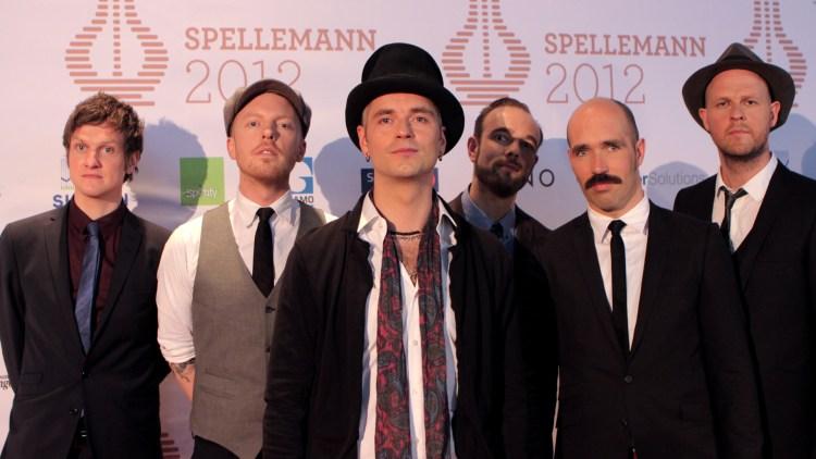 Kaizers Orchestra på den røde løperen. De er nominert i kategorien Årets musikkvideo. (Foto: Katrine Opdahl, NRK P3)