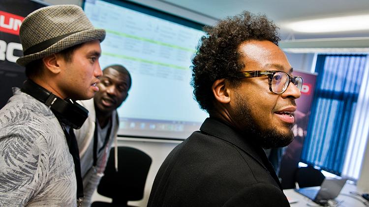 Fra venstre: Chad Hugo, Corey Smyth og Om'mas Keith. Smyth er manager for Hugo og Keith og deltar på SongExpo for å lære mer om ikke-amerikanske markeder. Foto: Eirik Indergaard.