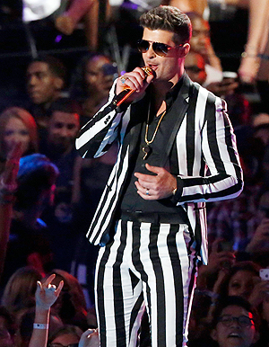 Robin Thicke avbildet under MTV Video Music Awards 2013.(Foto: NTB Scanpix, Reuters, Lucas Jackson)