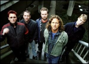 Eddie Vedder er vokalist i Pearl Jam, som snart kommer med ny plate. Foto: Promo