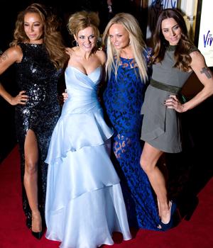 Nesten hele Spice Girls på premiere av Spice Girls-musikal i 2012. (Foto: NTB Scanpix, AFP, Leon Neal)