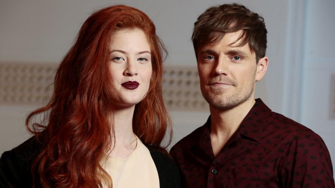 Mørland & Debrah Scarlett under presentasjonen av årets Melodi Grand Prix-artistar hos NRK på Marienlyst i Oslo onsdag. (Foto: Håkon Mosvold Larsen / NTB Scanpix)