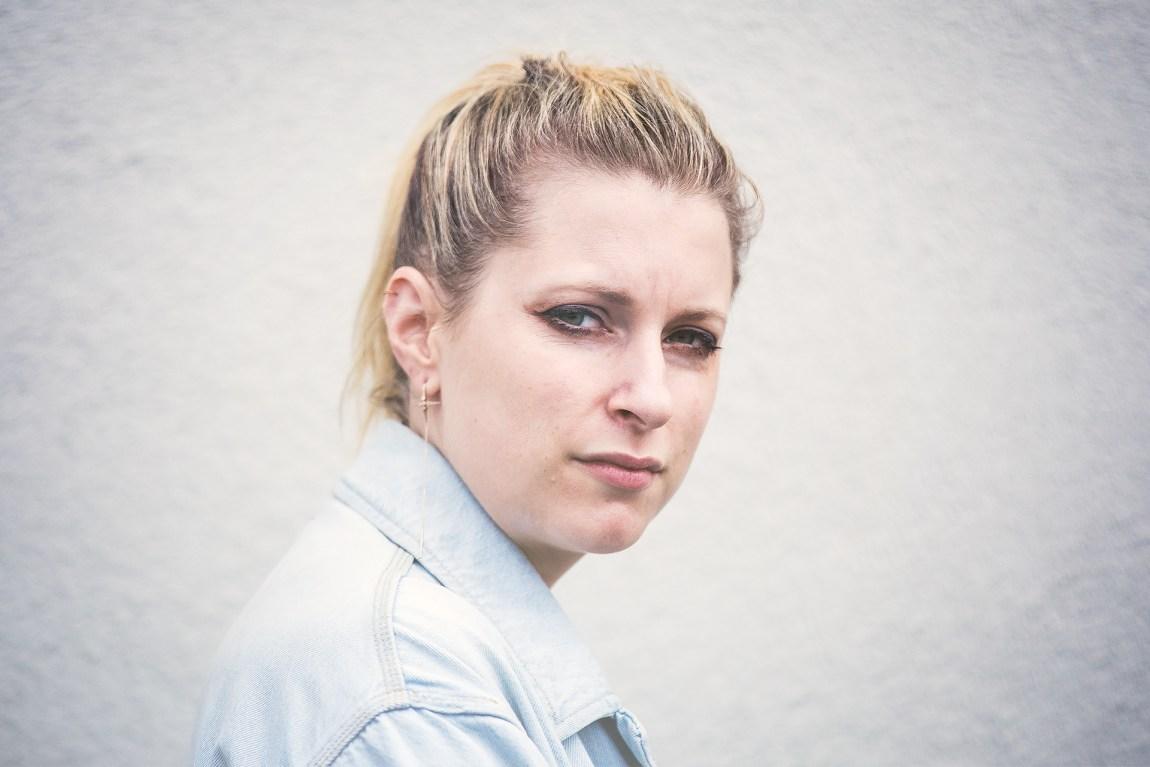 """Susanne Sundfør lot båtflyktningene gå innpå seg, og ble oppriktig lei seg. Nå har følelsene kommet ut i låta """"The Sound of War"""" på hennes nye album. Foto: Tom Øverlie."""