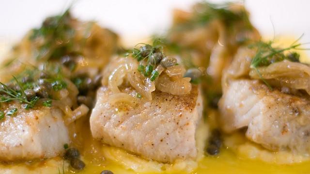 Akkurat nå burde du spise seibiff, mener Steinar Sagen. Klikk på bildet for oppskrift. (Foto: NRK)