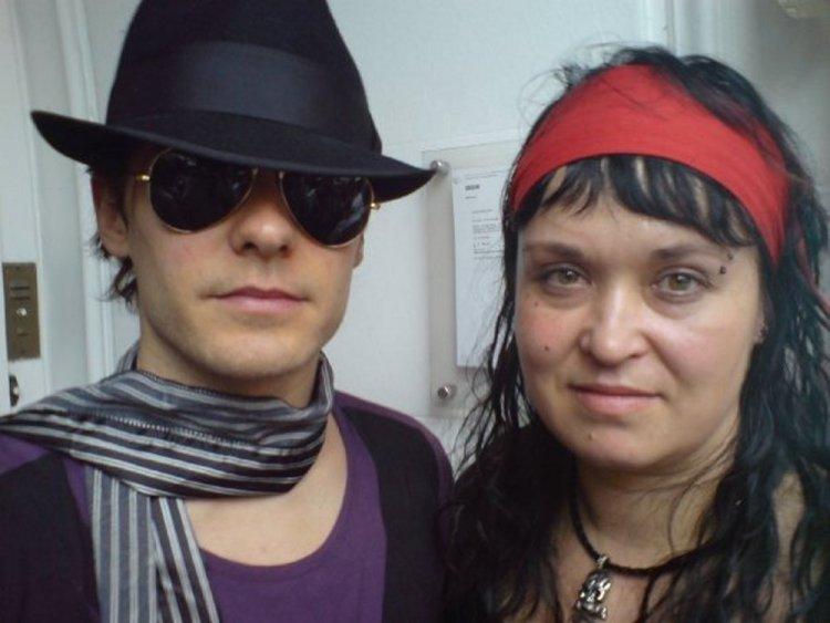 Jared og Hilde Marie: Grensbråten møtte Jared Leto og resten av 30 Seconds To Mars for første gang i 2007. Like etterpå startet hun Echelon Norge. (Foto: Privat)