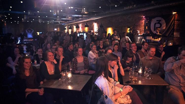 Publikum på Klubben under Verdens Rikeste Land-showet. Foto: Lars Haugdal Andersen, NRKP3)