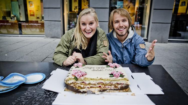 Tuva og Jonas hadde ordnet kake til vinnerne. Foto: Eileen Danielsen, NRK P3