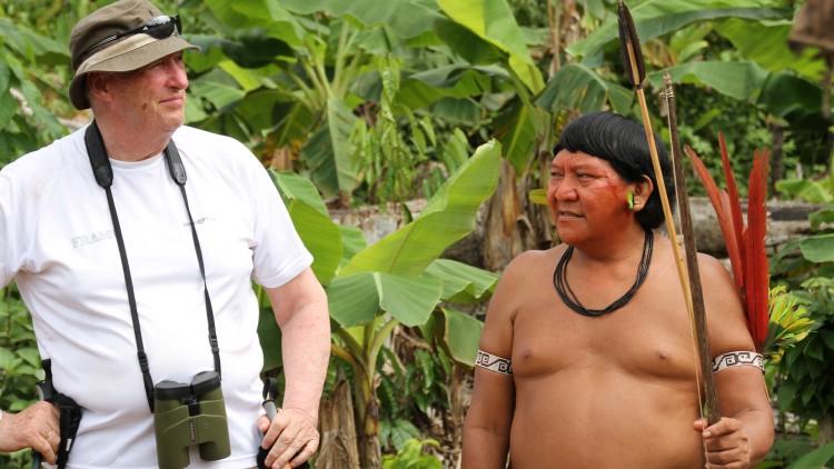 Kongen har tidligere møtt Yanomami-stammen på hjemmebane. (Foto: Regnskogfondet)