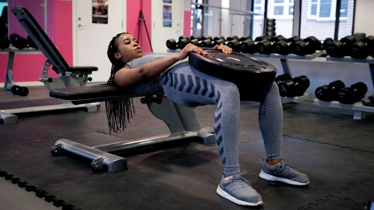 Chiku Msombeli tror mange jenter i dag ønsker seg stor rumpe. Selv har hun hatt komplekser for rumpa si tidligere. Foto: Patrick Da Silva Sæther .
